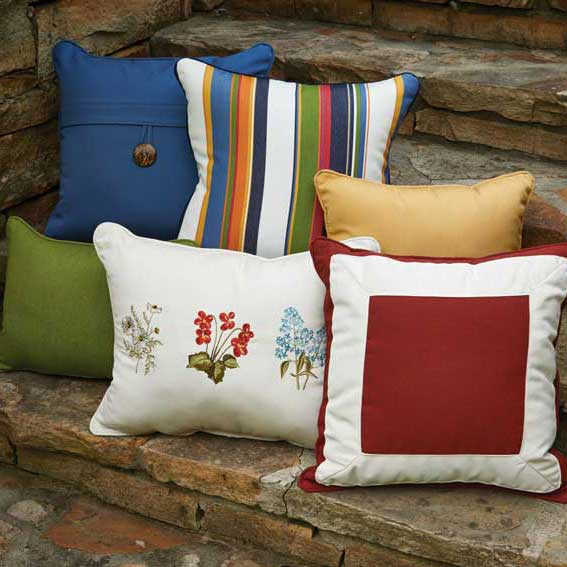 Pillows_onSteps